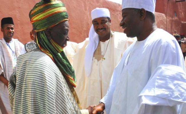 Emir of Daura Katsina State, Alhaji Faruk Umar (L) welcoming President Goodluck Jonathan in his palace