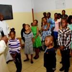 President Goodluck Jonathan (l) interacting with children