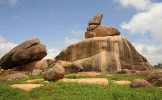 jos_Riyom-Rock-Formation-Plateau-State-460x250