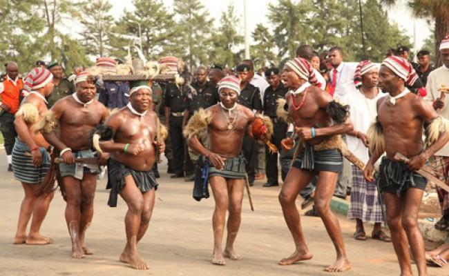 Cultural-dancers (1)