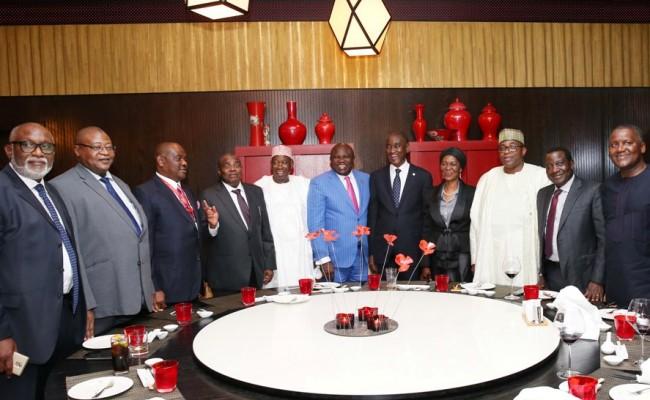 Lagos State Governor, Mr. Akinwunmi Ambode (6th left), with President, Nigerian Bar Association (NBA), Mr. Abubakar Balarabe Mahmoud, SAN (6th right); his wife, Justice Patricia Mahmoud (5th right); Governor Mohammed Abubakar of Bauchi State (4th right); Governor Simon Lalong of Plateau State (3rd right); President, Dangote Group, Alhaji Aliko Dangote (2nd right); Managing Director/C.E.O, Access Bank Plc, Mr. Herbert Wigwe (right); Governor Rotimi Akeredolu of Ondo State (left); Governor Nyesom Wike of Rivers State (3rd left); Governor Aminu Tambuwal of Sokoto State (4th left) and Governor Abdullahi Umar Ganduje of Kano State (5th left)